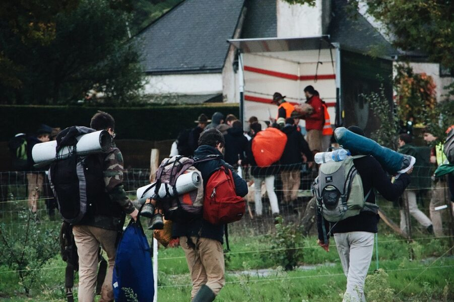camping backpackers (1)