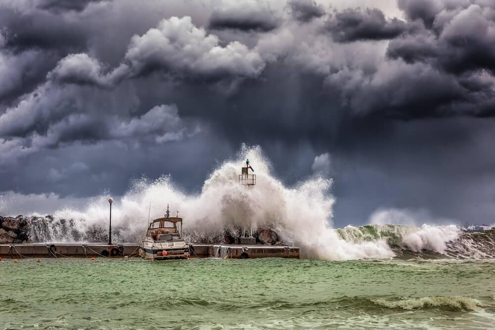 big waves hurricane