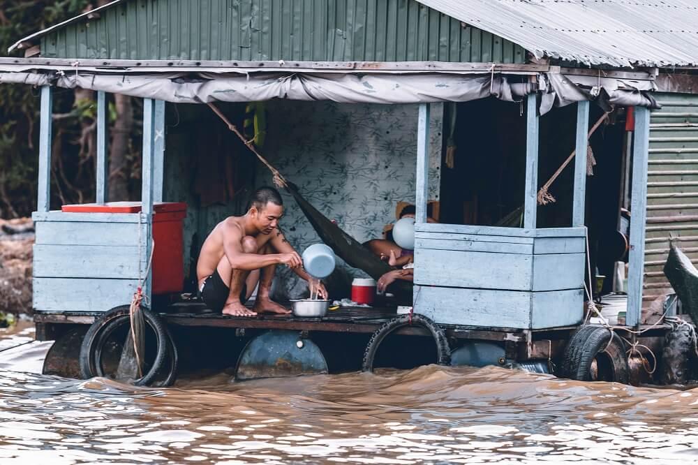 flood man